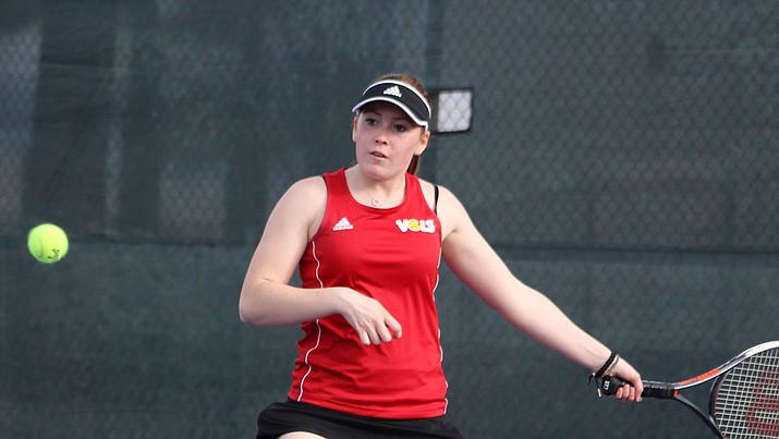 Lee Williams junior Amber Tefft notched a 6-0, 6-4 win over Estrella Foothills' Miranda Livingston at No. 6 singles, but it wasn't enough as the Lady Vols dropped their first match of the season. (Photo by Beau Bearden/Daily Miner)