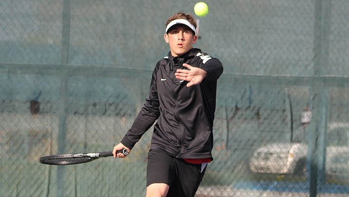 Lee Williams' Kade Juelfs cruised to a 6-2, 6-2 victory over Lake Havasu's Hayden Bekkedahl at No. 1 singles as the Vols remained undefeated Tuesday with a 5-4 win. (Daily Miner file photo)