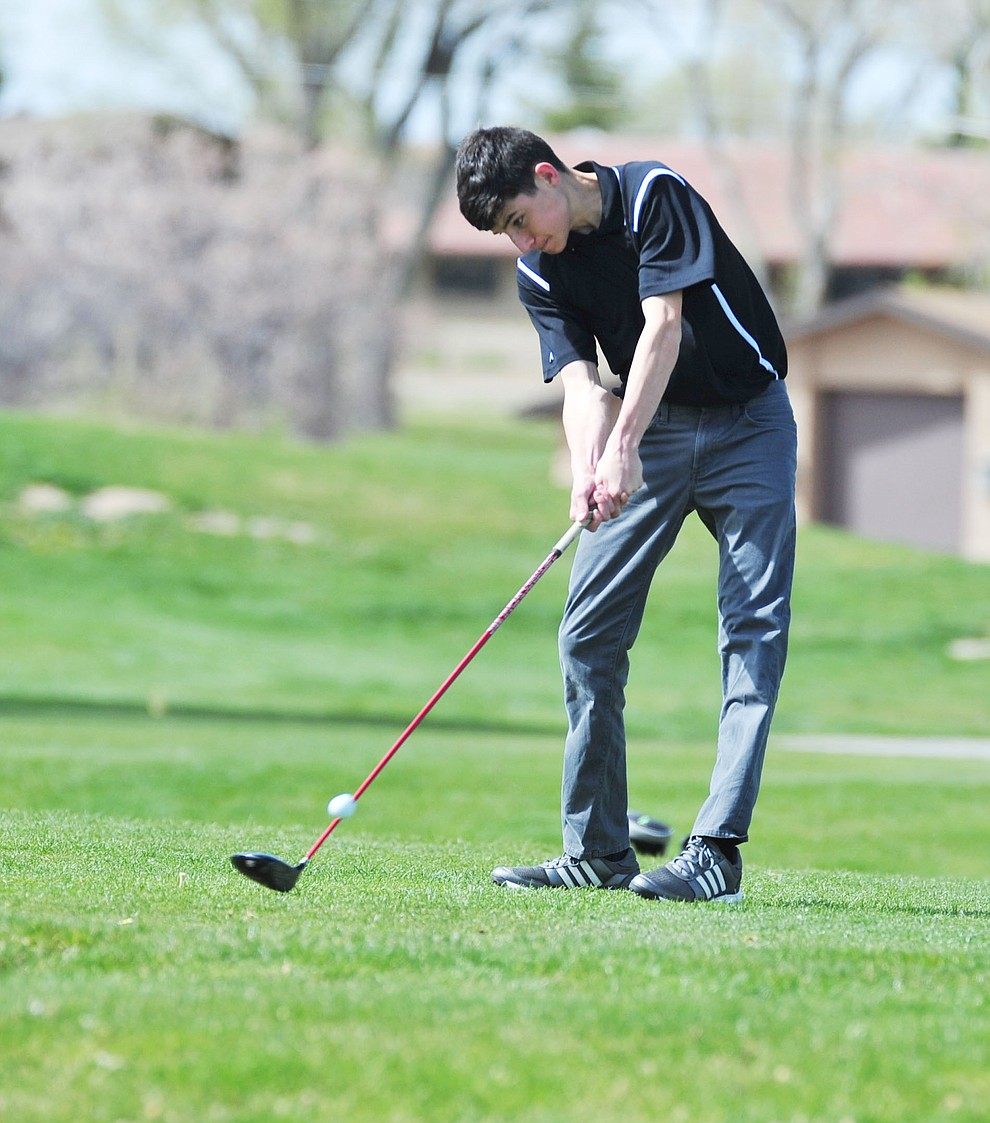 William's Mauricio Gonzalez tees off as Chino Valley hosted a four-team match Tuesday, April 2 in Prescott. (Les Stukenberg/Courier)