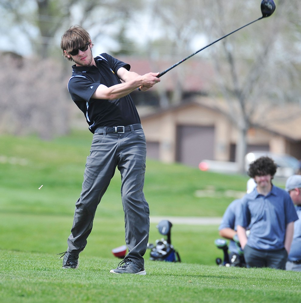 Williams' Jeremy Haehn tees off as Chino Valley hosted a four-team match Tuesday, April 2 in Prescott. (Les Stukenberg/Courier)