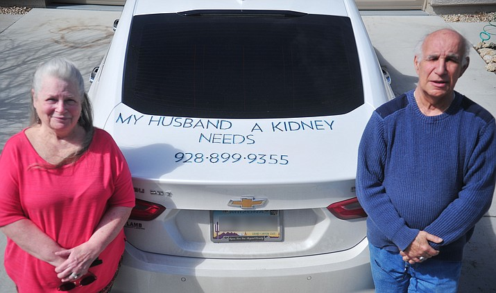 Prescott Valley's Elaine and Rocco Giordano used their car to try and find a kidney. Weeks later, Rocco is recovering afteer receiving a transplant. (Les Stukenberg/Courer, file)