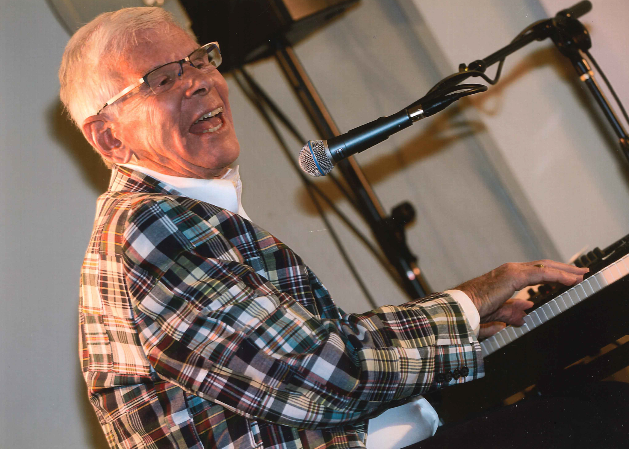 Aspen Hall of Famer Mead Metcalf performs at Mary D. Fisher Theatre April 18