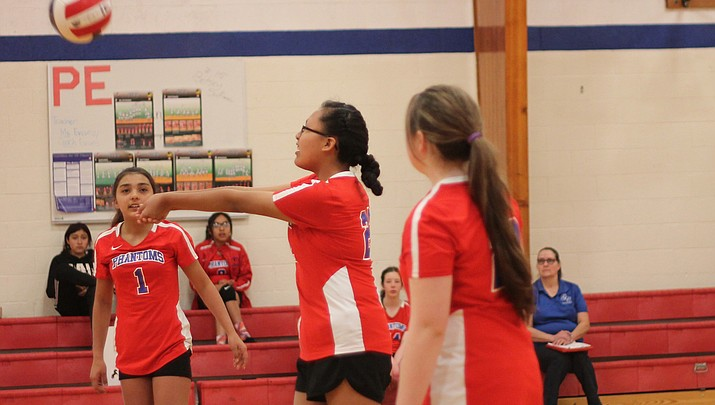 Grand Canyon Middle School volleyball competes in tournament April 6