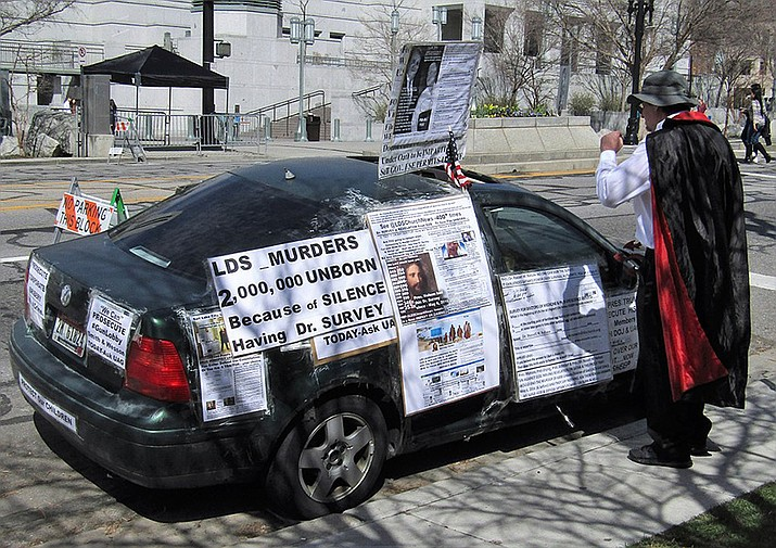 A car with pro-life writings of the political activist Jonathan Peterson in this photo dated March 31, 2018. (Photo by Ben P L, ccyby-sa-2.0, https://bit.ly/2Ueki9i)