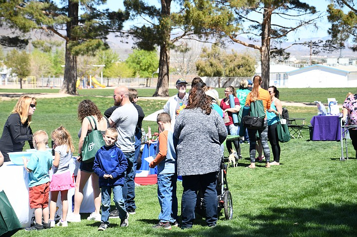 Families from every corner of Kingman came out to Centennial Park Saturday to enjoy the Day in the Park event where they were able to learn about various health related resources in the community. (Photo by Vanessa Espinoza/Daily Miner)