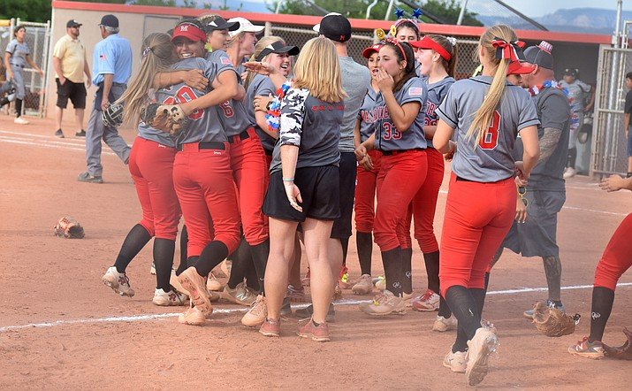 The Mingus Marauders celebrate their 5-1 win over Vista Grande in the second round of the state tournament. VVN/James Kelley