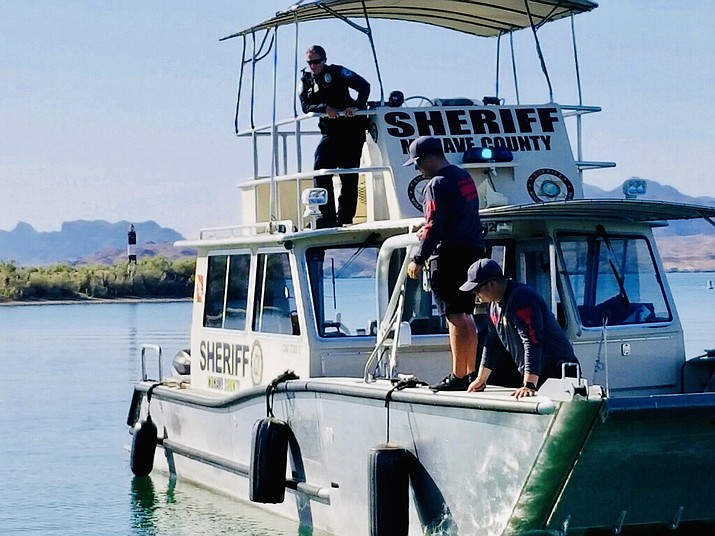 Members of the Mohave County Sheriff's Office Dive Rescue and Recovery team retrieve a deceased male's body from Lake Havasu on Saturday, May. 4. (Mohave County Sheriff's Office photo)