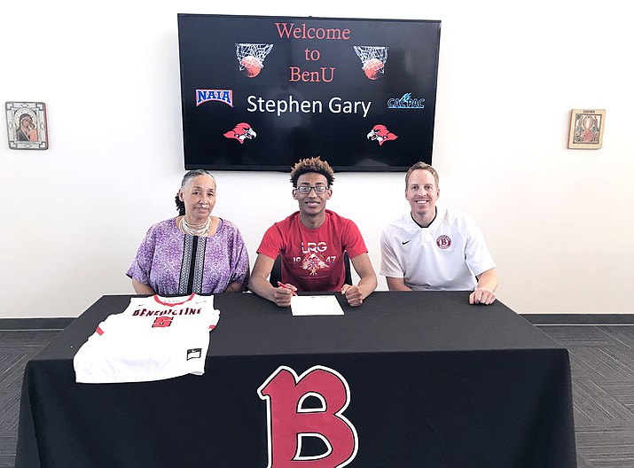 Stephen Gary has signed a letter of intent to play basketball with St. Benedictine University. (WUSD/Photo)