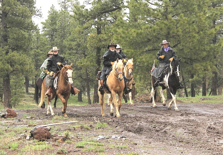 Bill Williams Mountain embark on the 200 mile ride from Williams to Black Canyon City May 8. (Loretta Yerian/WGCN)