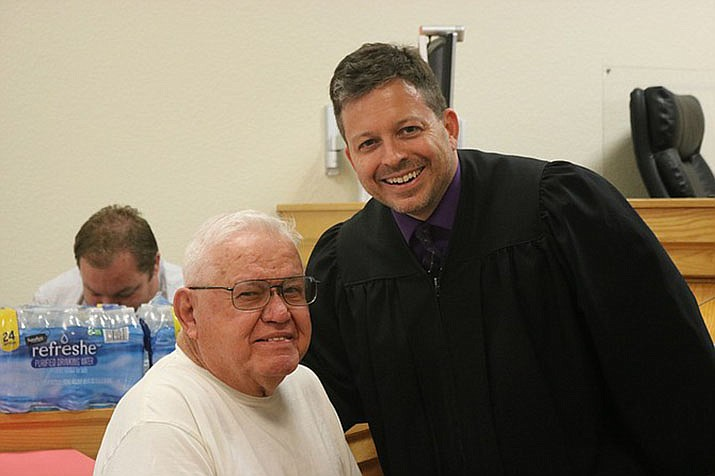 Ronald Kuhr and Kingman Municipal Court Judge Jeffrey Singer. Kuhr was one of four veterans who graduated Nov. 7, 2018. (Daily Miner file photo)