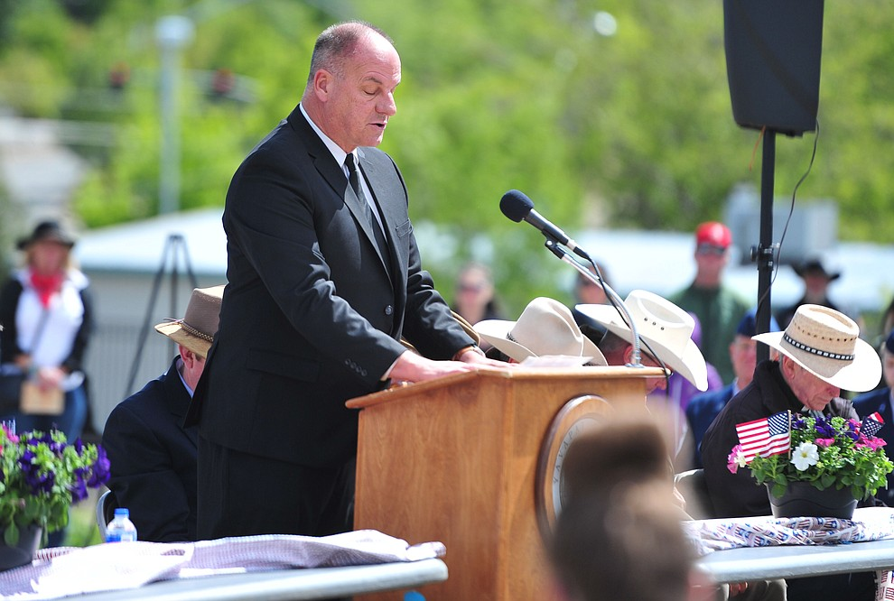Patrick Kuykendall recites the Gettysburg Address during the Memorial Day Ceremony at the Citizens Cemetery Monday, May 27 in Prescott. (Les Stukenberg/Courier)