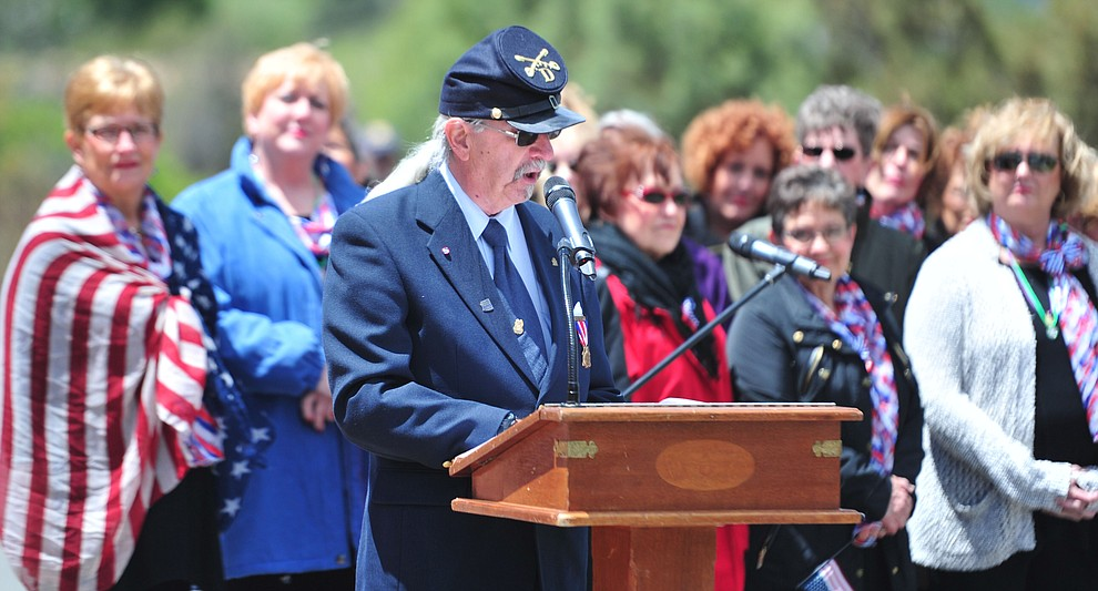 Dale Enlow recites Abraham Lincoln's Gettysburg Address during the Memorial Day Ceremony at the National Cemetery Monday, May 27 in Prescott. (Les Stukenberg/Courier)