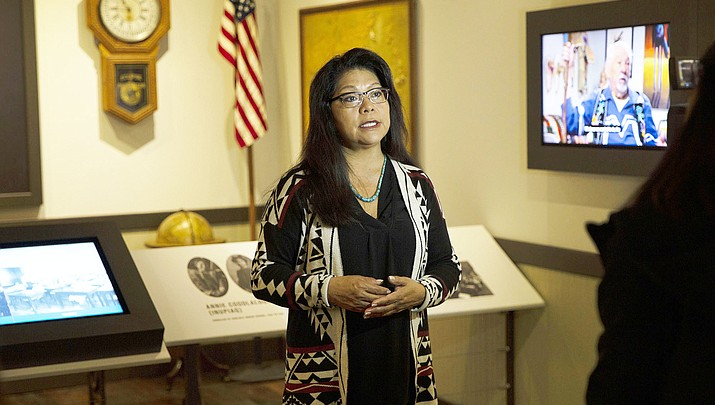 Hopi journalist leads others on journey through Phoenix Indian School, Native American history