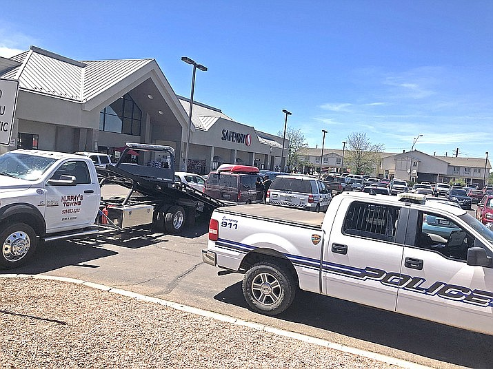 Williams Police Department has a vehicle towed that was possibly connected to suspects passing counterfeit bills in Williams. (Wendy Howell/Williams-Grand Canyon News)