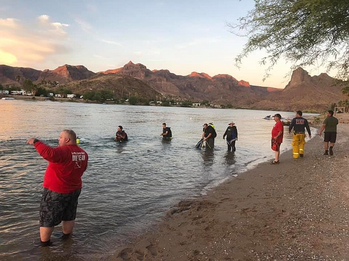 Divers from the La Paz County Sheriff's Office, Buckskin Fire Department and volunteers, made several shoreline sweeps to make sure no other devices were left behind. (Courtesy photo)