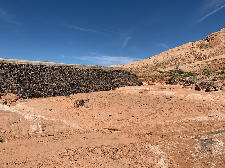 Kayenta community members want to recreate a diversion dam, which will allow the local reservior known as Dry Lake to be refilled and used for irrigation and in future drought situations.  (Office of the President and Vice President)