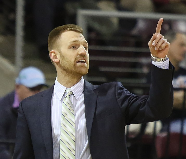 Northern Arizona Suns head coach Bret Burchard signals to players during a game against Memphis on Nov. 27, 2018, in Prescott Valley. Burchard will stay on as head coach for 2019-2020, the team announced Tuesday, June 18, 2019. (Matt Hinshaw/NAZ Suns, file)