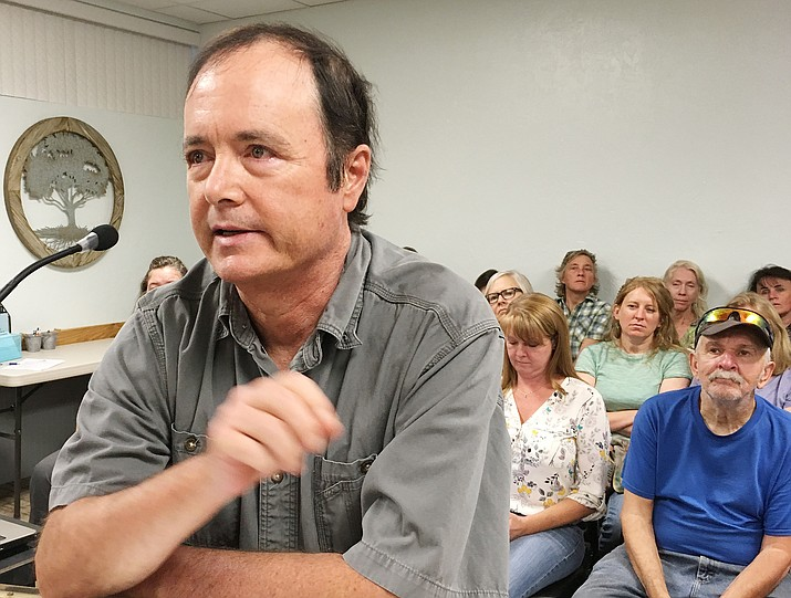 Middle Verde resident Eric Eberhard tells the Camp Verde council why he opposes Yavapai County's connector road plans, a project known as Verde Connect. VVN/Bill Helm