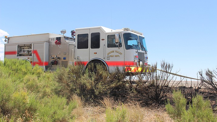A Golden Valley Fire District truck responds to a brush fire in Golden Valley earlier this month. (Photo by Agata Popeda/Daily Miner)