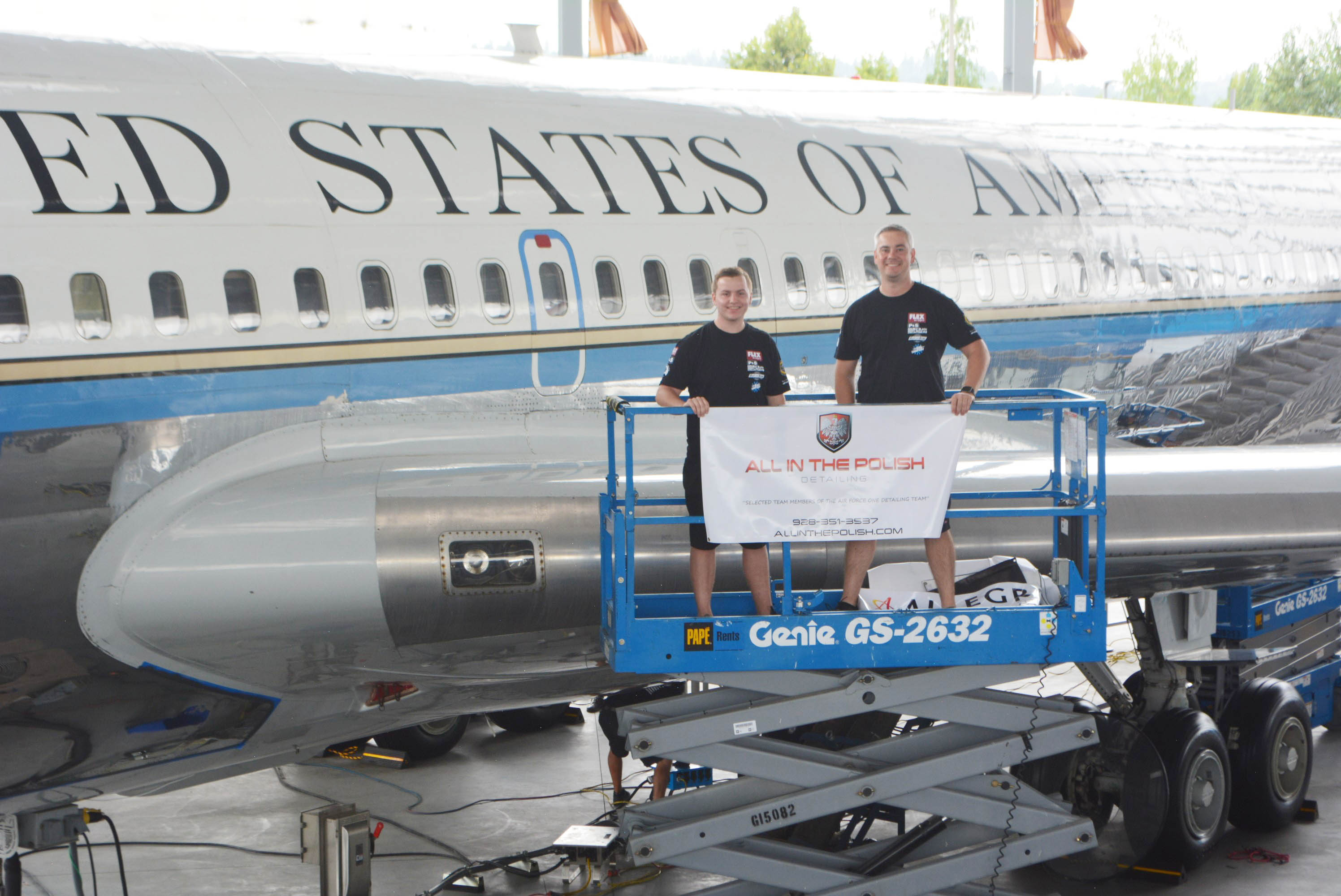 2e08ac183c8ce2 Camp Verde's 'Two Robs' bring spit-shine polish to Air Force One Detailing  Team