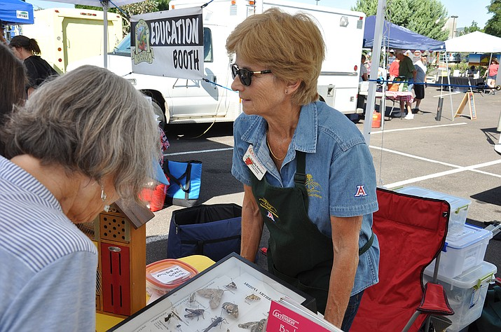 A Yavapai County Master Gardener volunteer provides science-based information at the Prescott Farmer's Market (University of Arizona Master Gardener, Yavapai County)