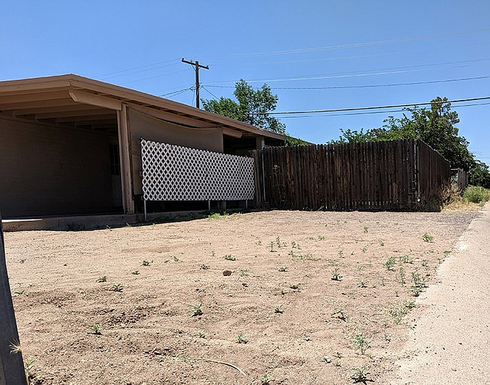 City of Kingman Planning and Zoning Commission has recommended leaving the City's front-side setback requirements as they are, rather than amending them to allow for additional building area and less headaches. (Photo by Travis Rains/Daily Miner)