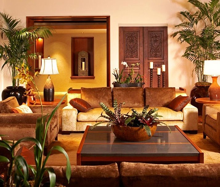 Houseplants and indoor trees add to a room, making it come alive. (Watters/Courtesy)
