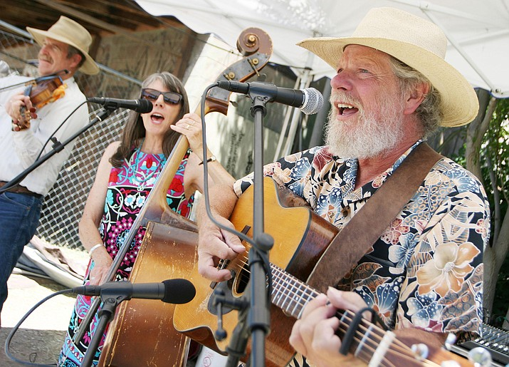 Reno and Sheila have been playing down-to-earth bluegrass, folk, country, and western music together since the 1980s. VVN/Bill Helm