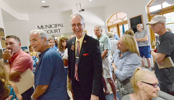 A standing-room-only audience that showed up to participate in a program on short-term rentals with District 6 State Rep. Bob Thorpe Wednesday. VVN/Vyto Starinskas