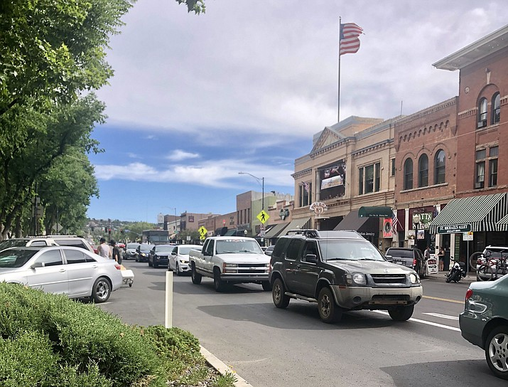 Downtown traffic congestion has been a consistent issue at recent City Council candidate forums. The corner at Gurley and Montezuma streets, which tends to get clogged at the traffic signal, is among the areas of concern. (Cindy Barks/Courier)