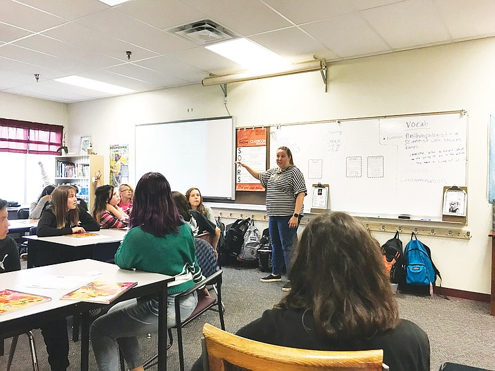 Forensic Scientist Kristen Dick was a guest teacher in Mrs. Mitkowski's social studies classes last week at Williams Elementary-Middle School.(Photo/WEMS)