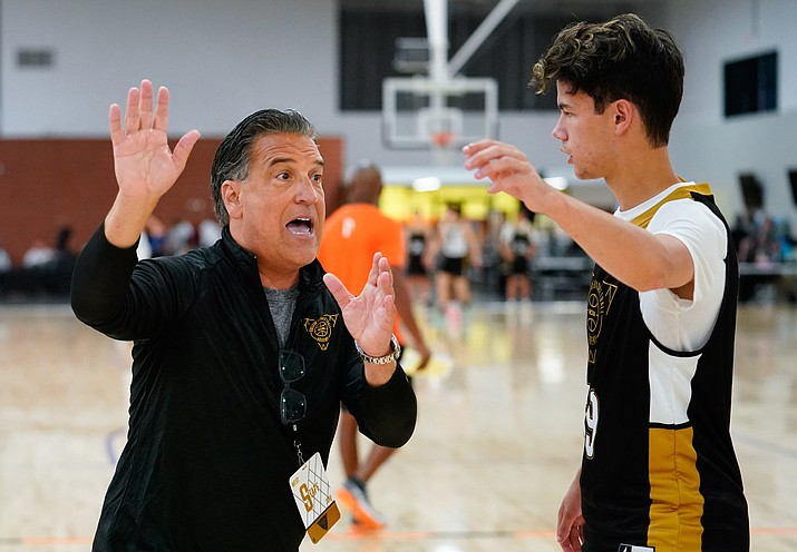 Steve Lavin coaches Oakland's Austin Ronzone during the 2019 NCAA College Basketball Academy at Grand Canyon University in Phoenix, AZ. (Photo courtesy Jack Dempsey/NCAA Photos)
