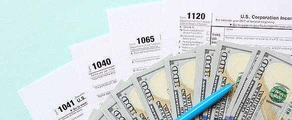 The Arizona Department of Revenue is reminding Arizonans that tax scams occur throughout the year, not just during tax season. (Adobe image)