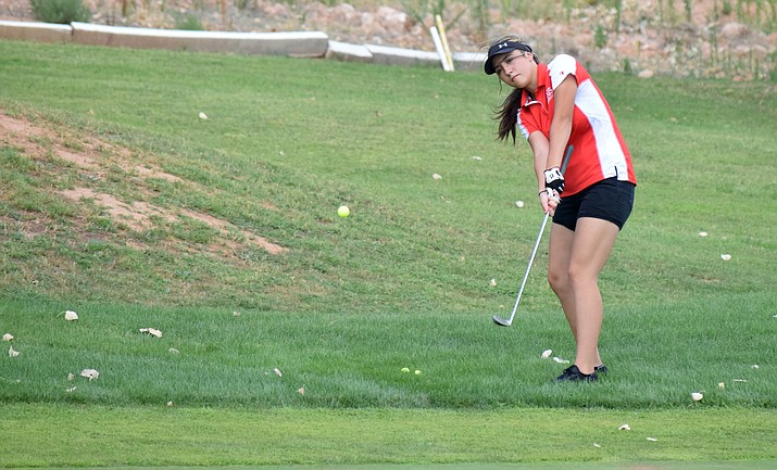 Mingus junior Kaylee Watson practices at Agave Highlands on Tuesday. Watson joined the team last week and expected to be a top player for the Marauders. VVN/James Kelley
