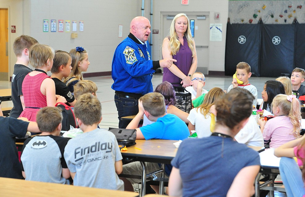Former astronaut Mark Kelly  answers questions from fourth graders as he visits Taylor Hicks Elementary School in Prescott Thursday, Aug. 29, 2019.  (Les Stukenberg/Courier)