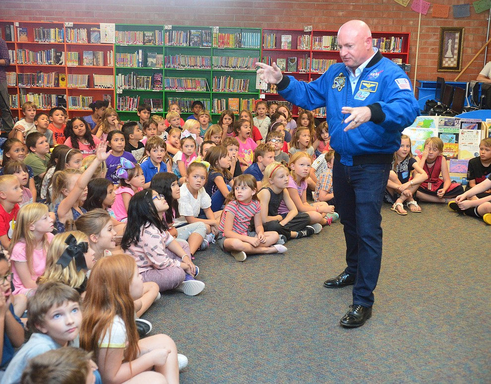 Former astronaut Mark Kelly talks about the launch with second graders as he visits Taylor Hicks Elementary School in Prescott Thursday, Aug. 29, 2019.  (Les Stukenberg/Courier)