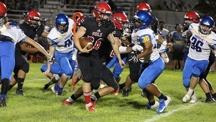 Lee Williams' Wesley Boyd rushed for a touchdown Friday night in a 22-18 loss to Buckeye. (Photo by Beau Bearden/Daily Miner)