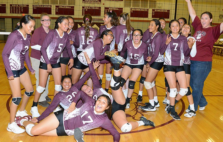 The Winslow Lady Bulldogs volleyball team. (Todd Roth/NHO)