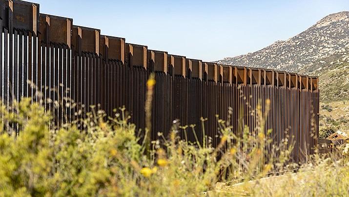 Republican senators are attempting to fully fund President Donald Trump's request for $5 billion for a border wall. (Public Domain)