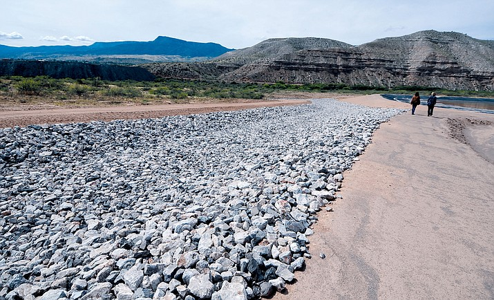 The contaminated soil from yards in Clarkdale will be dumped into the soil repository which has an impenetrable liner. Freeport has performed extensive storm-water drainage work at the site to ensure that water does not run downhill to the Verde River during storms. VVN/Vyto Starinskas