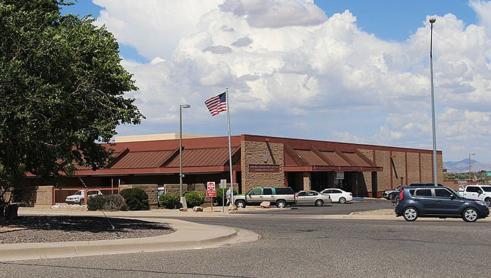 The U.S. Post Office in Kingman is shown above. Kingman police are investigating the theft of mail from several neighborhoods. (Daily Miner file photo)