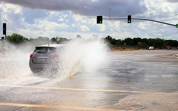 The intersection of  Crismon and Baseline roads in Mesa was closed after heavy rains the morning of Sept. 23. (Cassidy McCauley/Cronkite News)