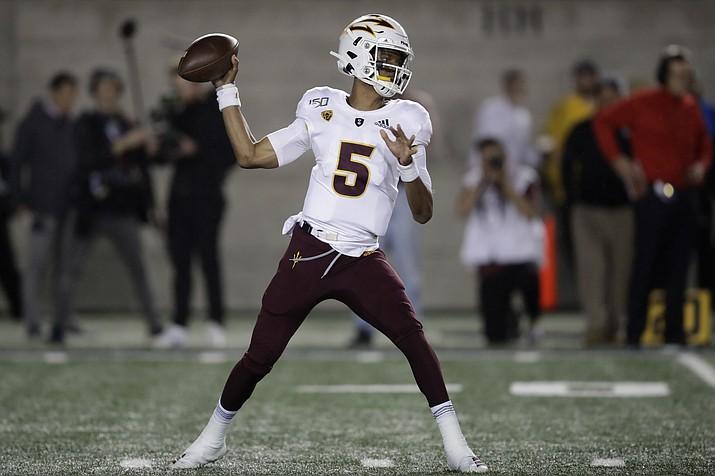 Arizona State quarterback Jayden Daniels passes against California in the first half of a game, Friday, Sept. 27, 2019, in Berkeley, Calif. (Ben Margot/AP)