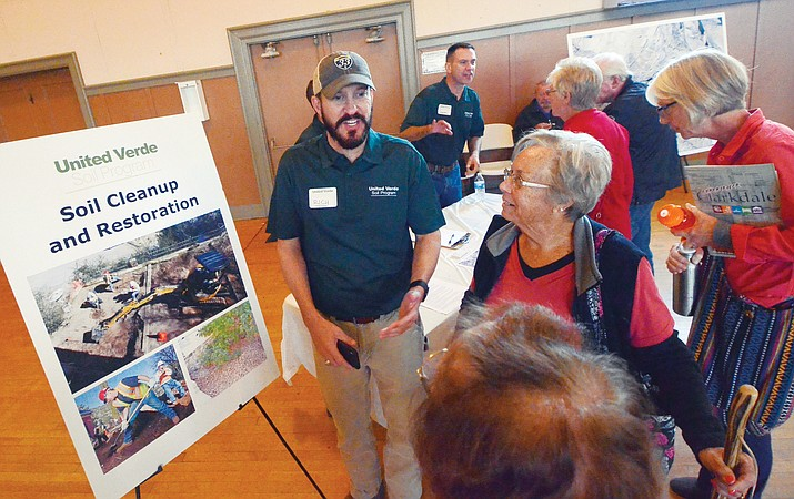 Senior Project Manager Rich Wood explains the next steps in the United Verde Soil Program to Clarkdale residetns Tuesday night. VVN/Vyto Starinskas
