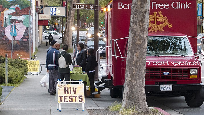 A truck offering free HIV tests in Berkley, California, 2012. (Photo by Dcoetzee via Wikimedia Commons, cc-by-sa-2.0, bit.ly/2Q7cqIjbit.ly/2)