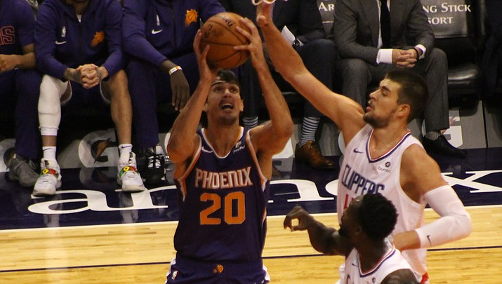 Dario Saric tallied 18 points Tuesday night in Phoenix's 123-115 loss to the Los Angeles Lakers. (Daily Miner file photo)