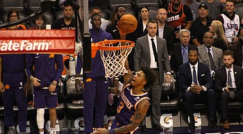Oubre Jr. scores season-high 30, Suns beat Hawks photo