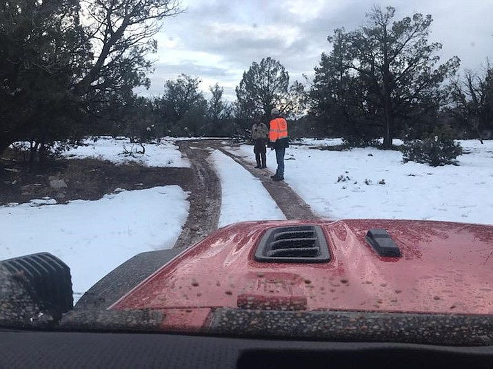 Yavapai County Search and Rescue Team work with deputies to track a missing Ash Fork man on Dec. 27, 2019. (YCSO/Courtesy)