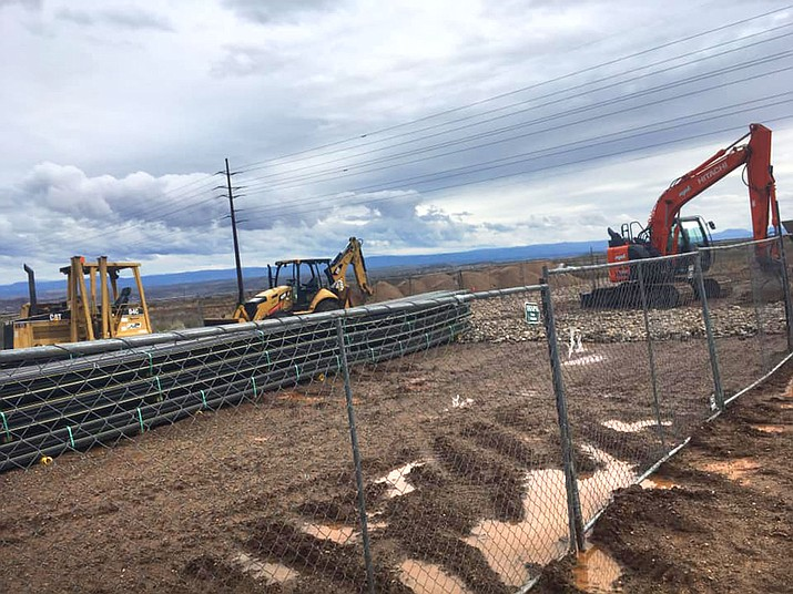 The construction to pave Ogden Ranch Road has begun, just as rain has turned the informal bypass that connects Cottonwood to State Route 260 into a mud bath this week. VVN/Vyto Starinskas