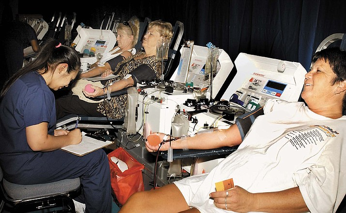 The staff of United Blood Services collects blood from donors Wednesday, July 17, 2003, in Lake Havasu City, Ariz. (AP/file)